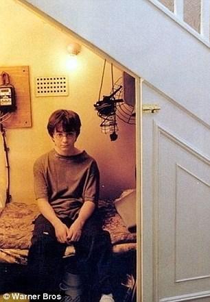Nhà của phù thuỷ Harry Potter được rao bán 13,6 tỉ đồng - 9