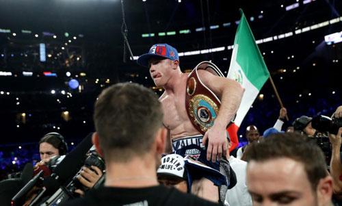 """Boxing: """"Vua knock-out"""" hạ """"Độc cô cầu bại"""" Anh - 2"""