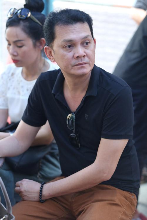 Sao nữ giàn giụa nước mắt đến viếng Minh Thuận - 8