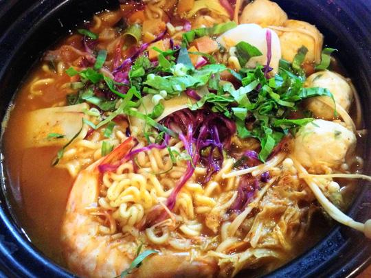 Những món ăn Hàn Quốc gây sốt trong giới trẻ - 1