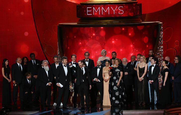 """Tất tật về phim 18+ """"nghẽn sóng"""" HBO cuỗm 38 giải Emmy - 1"""