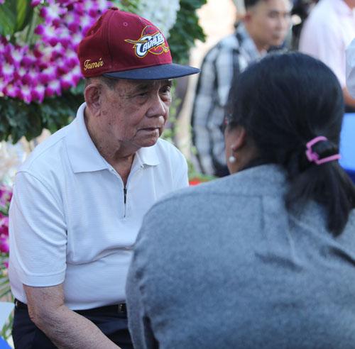 Người bố 95 tuổi thẫn thờ nhìn di ảnh Minh Thuận - 5