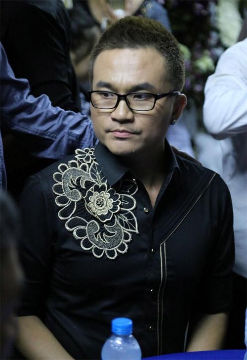 Hà Hồ thất thần đến viếng ca sĩ Minh Thuận trong đêm - 14