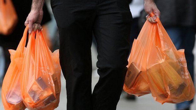 Quốc gia đầu tiên cấm cốc và đĩa nhựa dùng một lần - 2