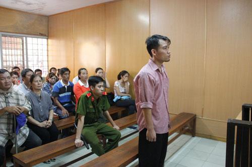 Tài xế đi đón Hồ Ngọc Hà gây tai nạn lãnh 3 năm tù - 1