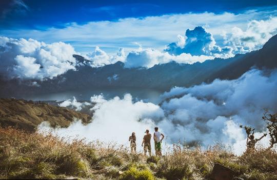 Chạm vào mây trên đỉnh Rinjani - 6