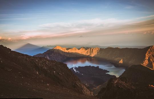 Chạm vào mây trên đỉnh Rinjani - 3