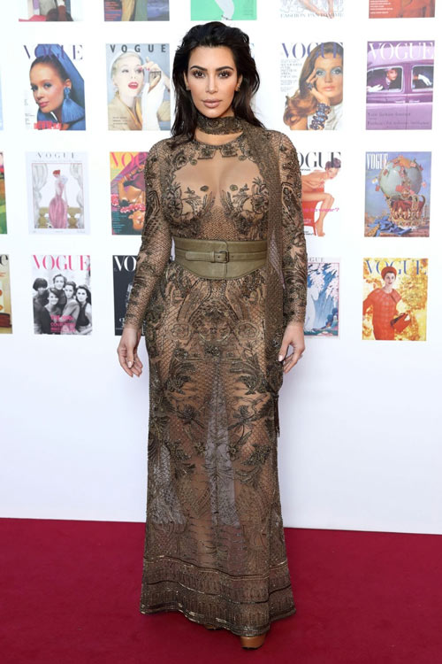 15 kiểu váy áo trong suốt khoe cơ thể của Kim Kardashian - 5