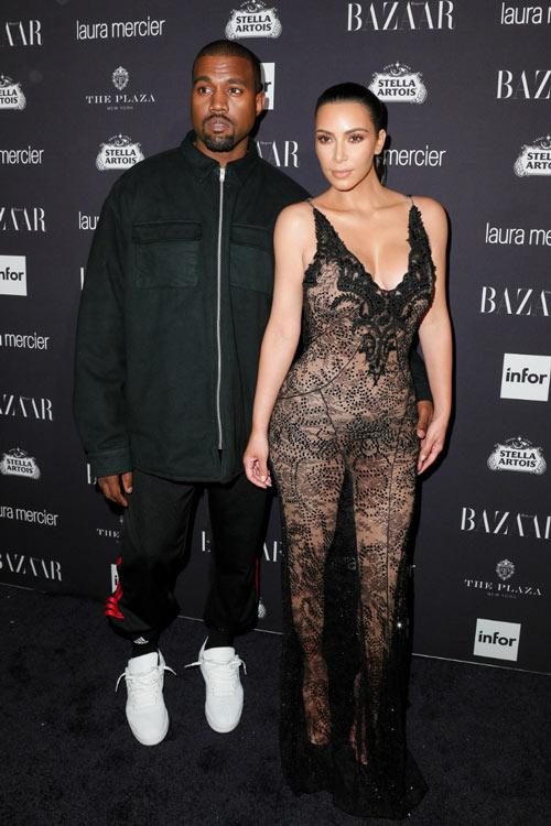 15 kiểu váy áo trong suốt khoe cơ thể của Kim Kardashian - 3