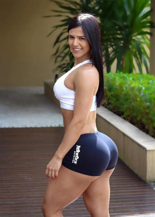 """Cách tập để mông, đùi sexy như """"hoa hậu cơ bắp Brazil"""" - 1"""