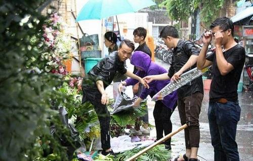 Mưa tầm tã trong ngày cuối viếng ca sĩ Minh Thuận - 8