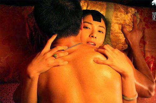 """Những cảnh """"trao thân"""" nghệ thuật trên màn ảnh Hoa ngữ - 7"""