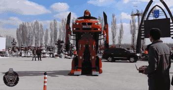 """Tận mắt ô tô """"hô biến"""" thành robot trong tích tắc - 4"""