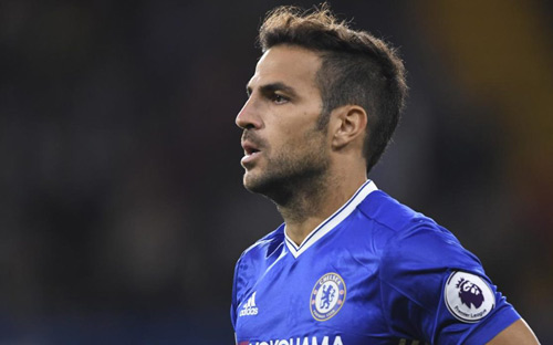 Chelsea nổi sóng: Fabregas đòi đá, Courtois muốn ra đi - 1