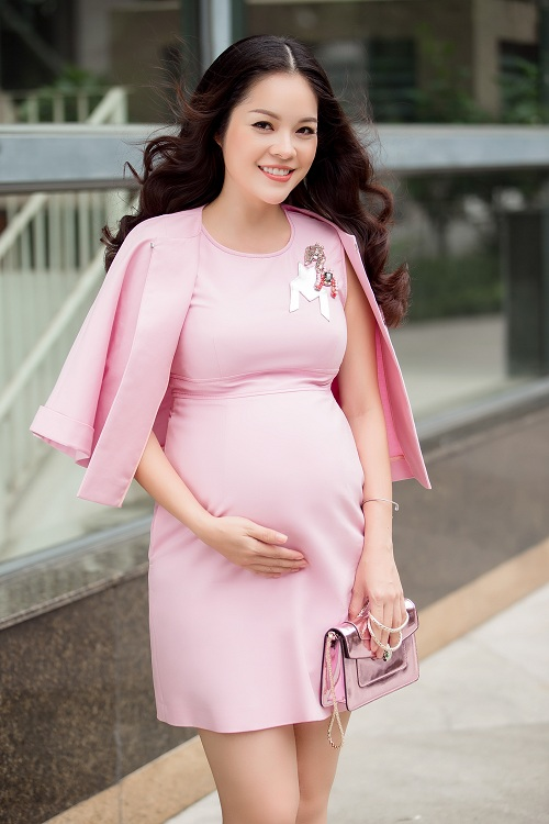 Dù mang bầu, Dương Cẩm Lynh vẫn đẹp hút mắt - 2
