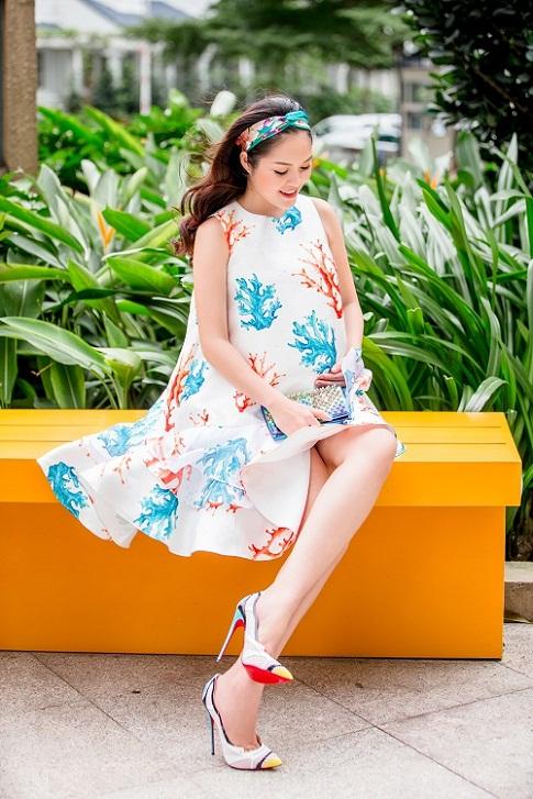 Dù mang bầu, Dương Cẩm Lynh vẫn đẹp hút mắt - 4