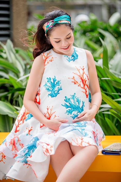 Dù mang bầu, Dương Cẩm Lynh vẫn đẹp hút mắt - 6