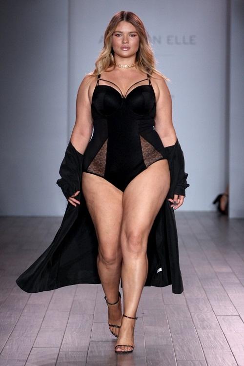 Show thời trang nội y gây sốc với dàn mẫu béo - 2