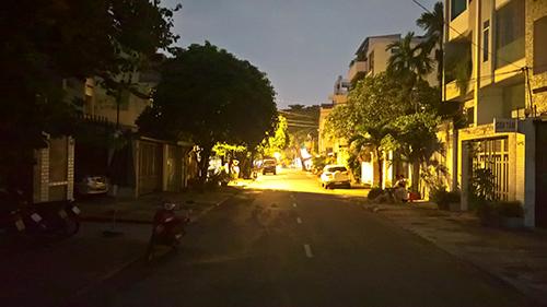Một góc Sài Gòn tối thui sau vụ nổ trạm biến áp - 3