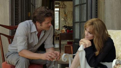 """Tiếc nuối ngắm lại cảnh phim mặn nồng của """"ông bà Smith"""" - 9"""