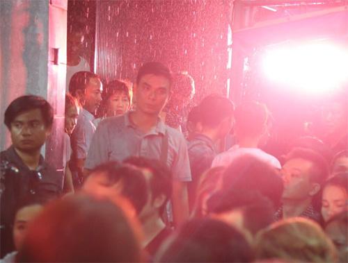 """Video: """"Người bạn đặc biệt"""" hát tặng ca sĩ Minh Thuận - 10"""