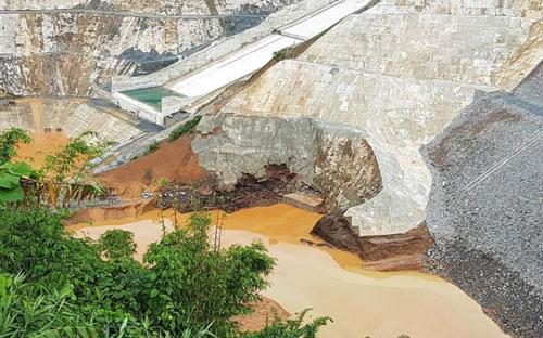 Treo thưởng 20 triệu đồng tìm nạn nhân vụ Sông Bung 2 - 1