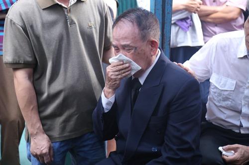 Người thân khóc ngất tiễn đưa Minh Thuận về đất mẹ - 1
