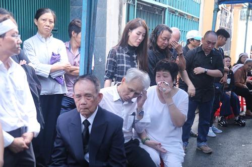 Người thân khóc ngất tiễn đưa Minh Thuận về đất mẹ - 5