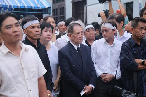 Người thân khóc ngất tiễn đưa Minh Thuận về đất mẹ - 8