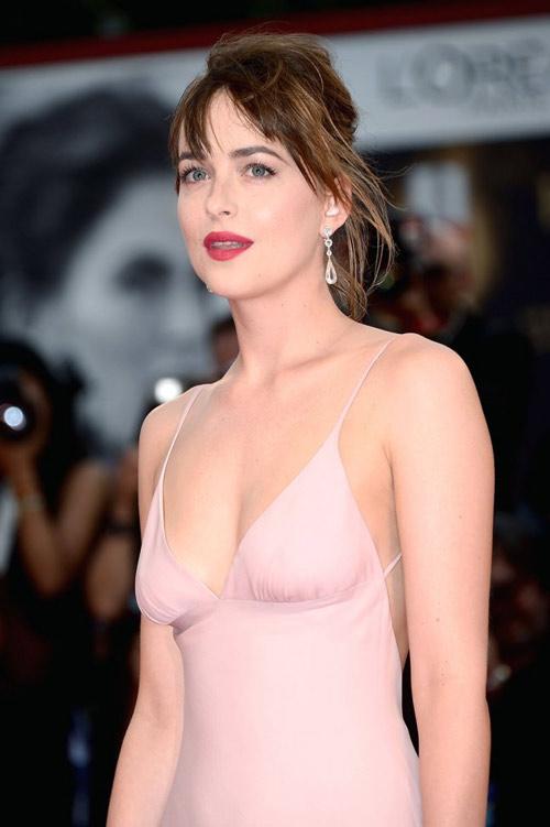 Mỹ nhân phim 18+ là nữ hoàng mặc đẹp mới của Hollywood - 3