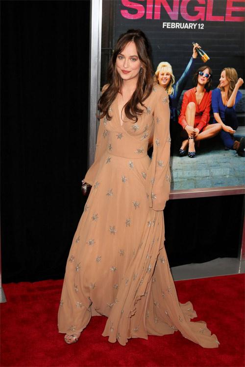 Mỹ nhân phim 18+ là nữ hoàng mặc đẹp mới của Hollywood - 7