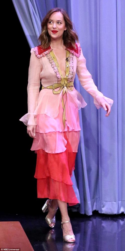 Mỹ nhân phim 18+ là nữ hoàng mặc đẹp mới của Hollywood - 16