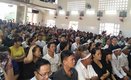 Người thân khóc ngất tiễn đưa Minh Thuận về đất mẹ - 18