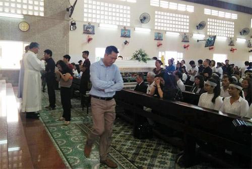 Người thân khóc ngất tiễn đưa Minh Thuận về đất mẹ - 19