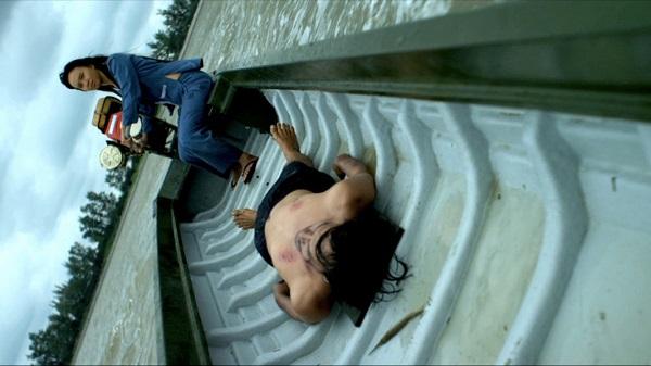 Ám ảnh với bộ phim ngập cảnh nóng hủy chiếu tại Việt Nam - 1
