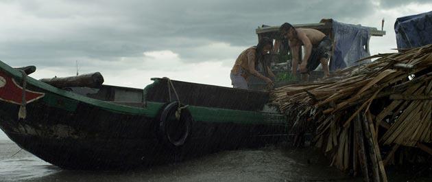 Ám ảnh với bộ phim ngập cảnh nóng hủy chiếu tại Việt Nam - 2