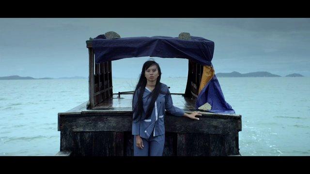 Ám ảnh với bộ phim ngập cảnh nóng hủy chiếu tại Việt Nam - 4