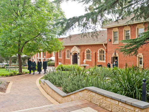 Các trường Trung học Australia - Sự chọn lựa lý tưởng cho con em bạn - 1