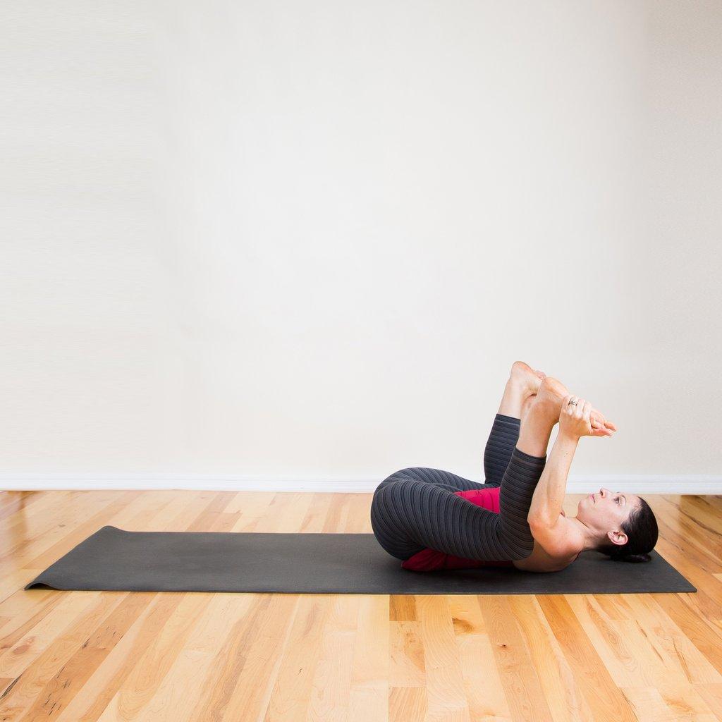 Quá stress? Một vài động tác yoga này hẳn là thần dược! - 4