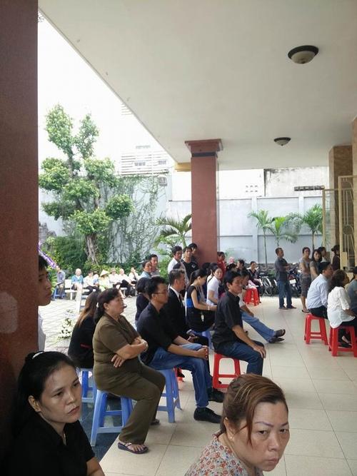 Hàng nghìn người xuống đường tiễn biệt Minh Thuận - 4