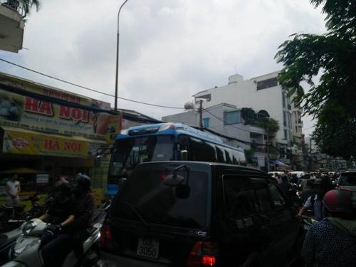 Hàng nghìn người xuống đường tiễn biệt Minh Thuận - 8