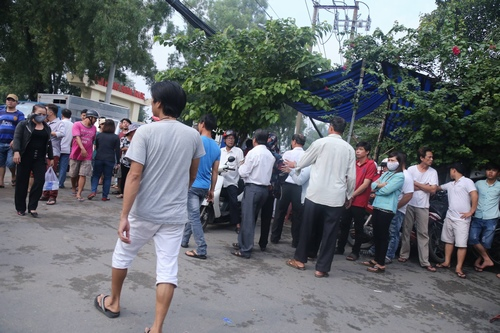 Hàng nghìn người xuống đường tiễn biệt Minh Thuận - 11