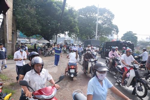 Hàng nghìn người xuống đường tiễn biệt Minh Thuận - 10