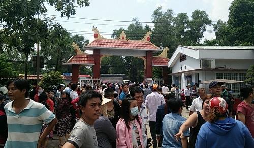 Hàng nghìn người xuống đường tiễn biệt Minh Thuận - 16