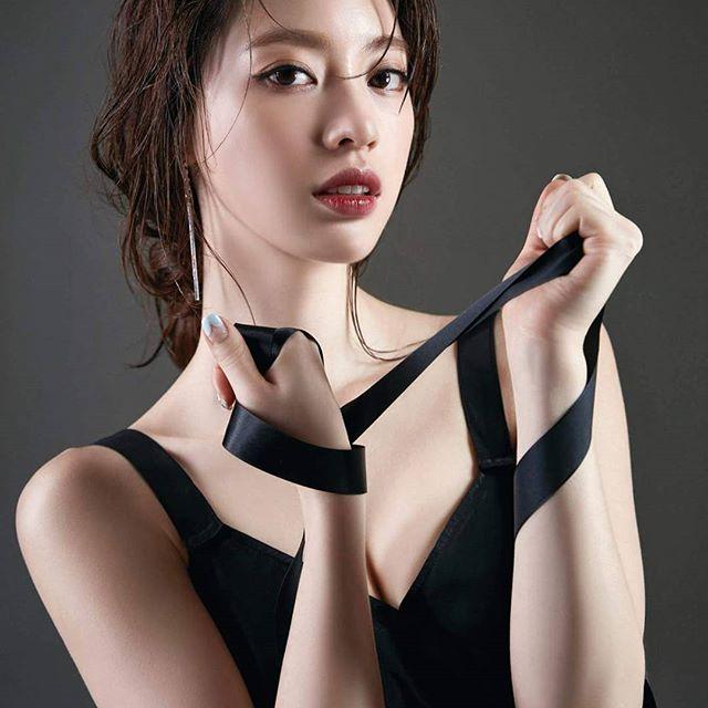 """Hình thể tuyệt vời của mỹ nữ Hàn thích """"nude"""" khi tập - 1"""