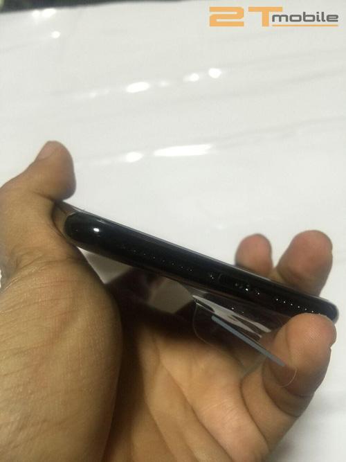 iPhone 7 Plus Jet Black đầu tiên về Việt Nam giá 89 triệu đồng - 8