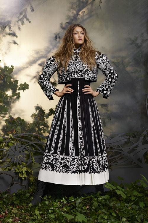 Gigi Hadid hóa công chúa đẹp mộng mị - 9