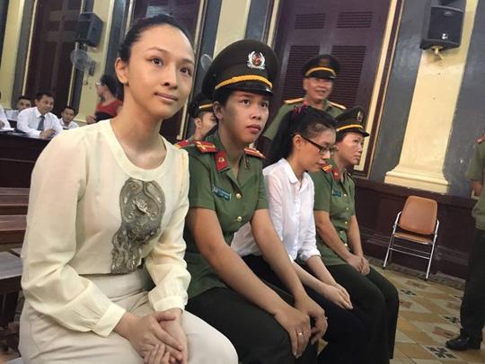 Hoa hậu Phương Nga khai có hợp đồng tình cảm với đại gia - 2