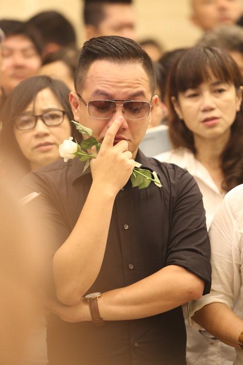 Nghẹn ngào giây phút trước khi hỏa táng ca sĩ Minh Thuận - 6