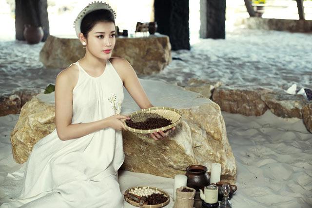 Dàn mỹ nhân Việt khoe vai trần mong manh - 7
